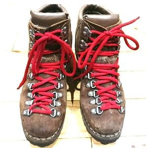 Women's 5.5 vintage hiking boots leather